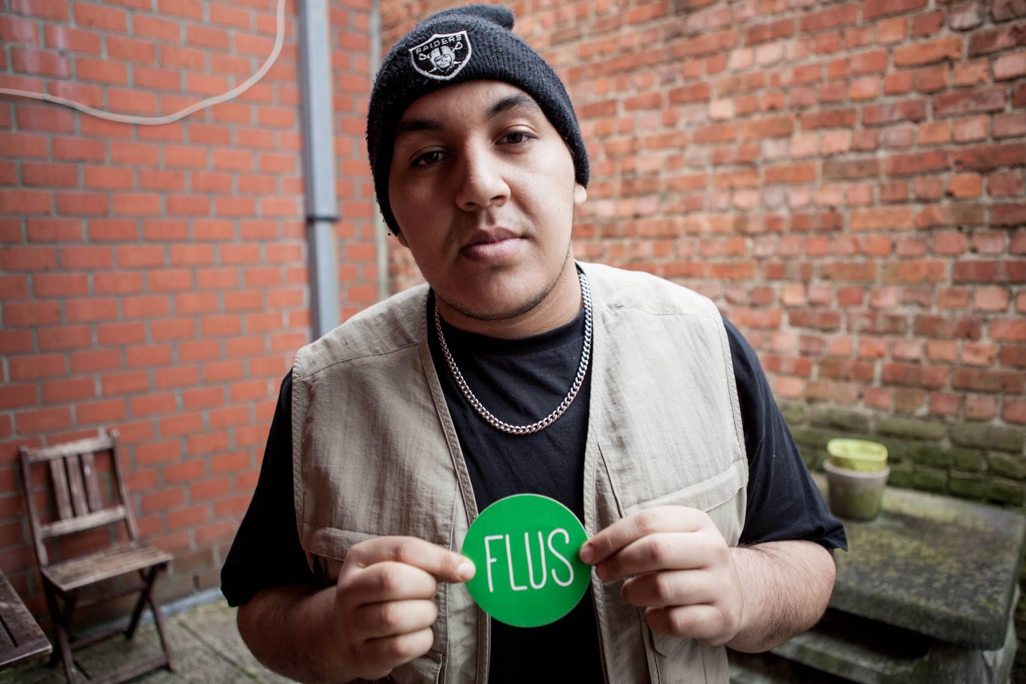 flus-hakim-met-flus-logo